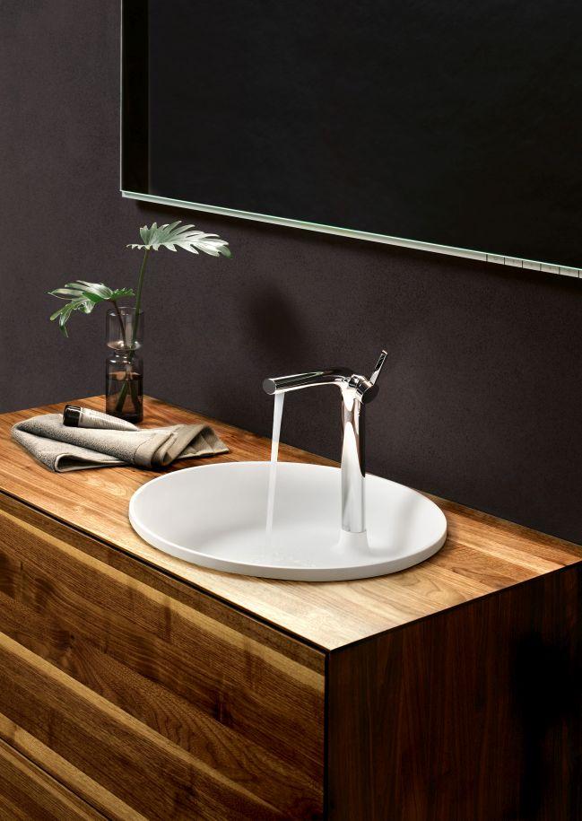 luksusowa azienka edition lignatur z meblami z naturalnego drewna design biznes azienki. Black Bedroom Furniture Sets. Home Design Ideas